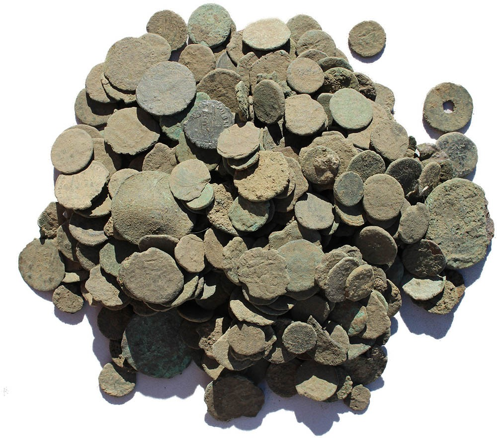 10 Low grade - Dirty and Crusty Ancient Uncleaned Roman coins from Europe  9-16mm