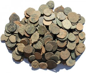 Mixed Islamic Uncleaned Coins from The Holyland - Islamic, Mamluk, Roman Imperial & Provincial and a stray Greek coin or two
