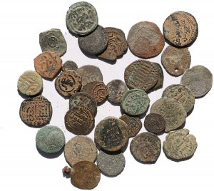 34 Ancient Islamic coins including silver